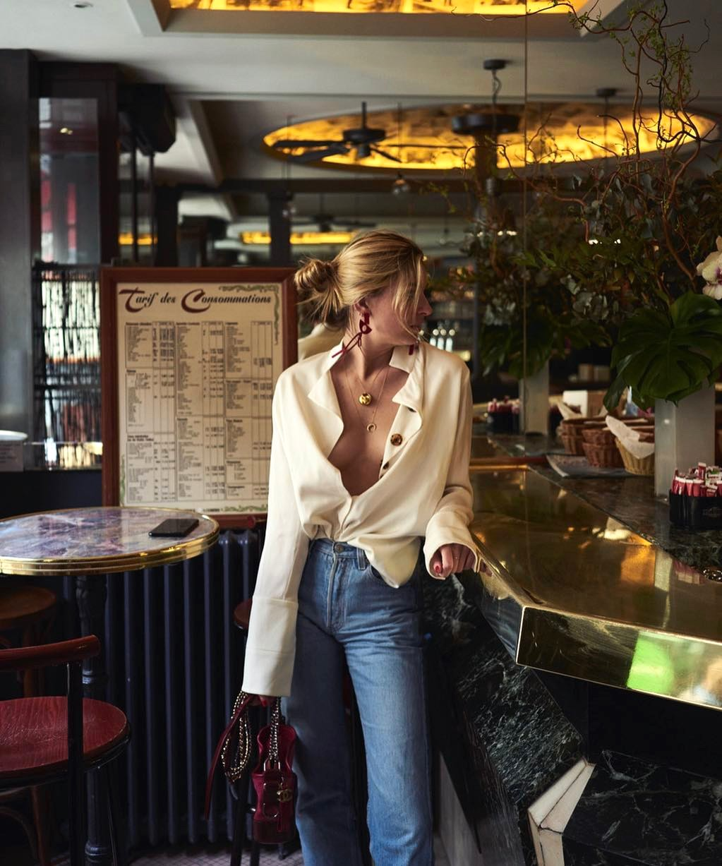 Sexy Way to Wear Button Down Shirt —Outfit Idea from Camille Charriere with high-waisted jeans