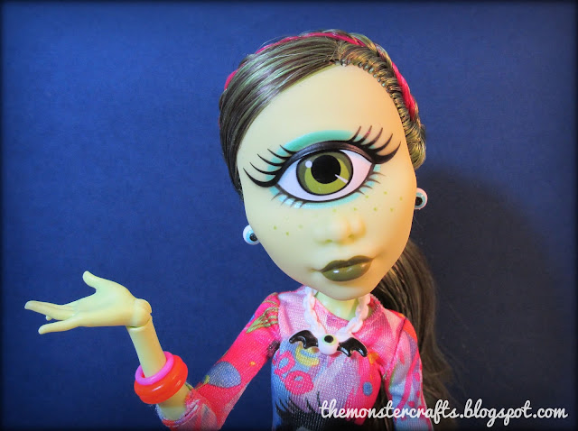 Monster High Iris Clops doll review
