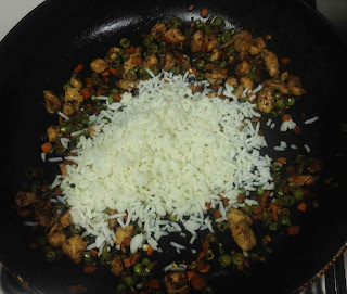 leftover rice recipe / chicken fried rice quick version