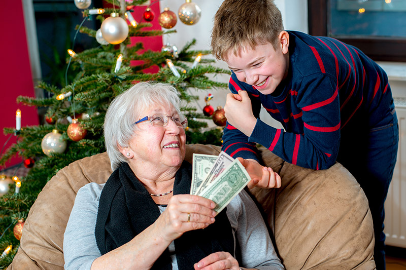 Best Ways for Older Adults to Save for the Holidays