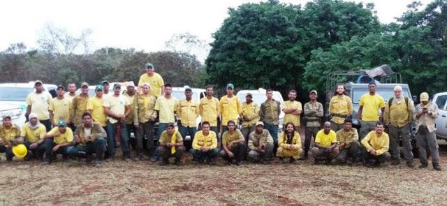 Brigadistas após combate a fogo na região da Chapadinha, no sul do Parque Nacional da Chapada Diamantina (Foto: Divulgação/ ICMBio)
