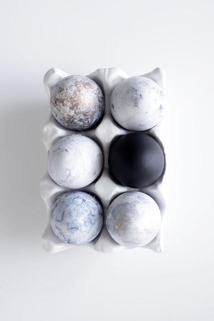 czarno-białe jajka