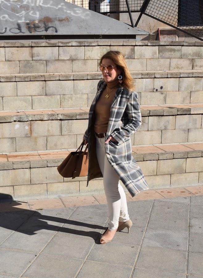 calido_neutral_look