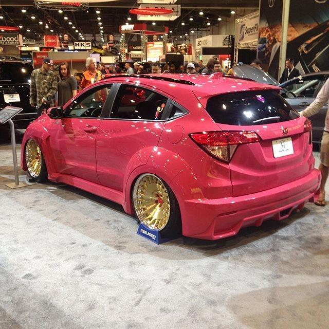 Modifikasi Honda HRV Ceper Warna Pink