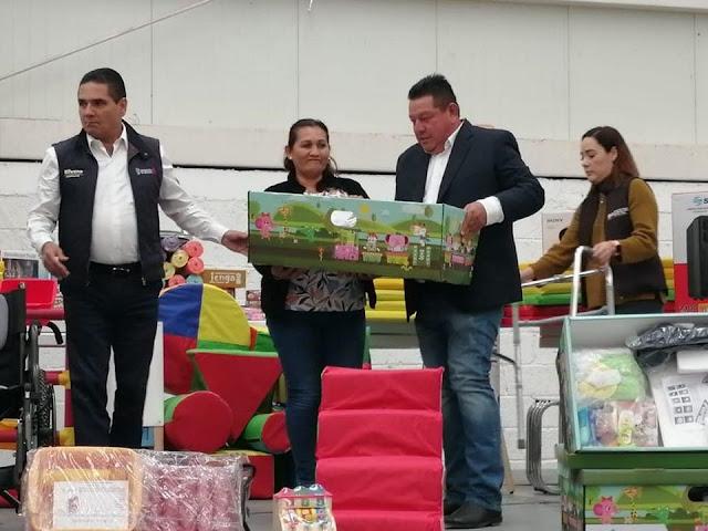 Jorge Gutiérrez Sánchez recibe del Gobernador apoyos e insumos para familias vulnerables de Gabriel Zamora