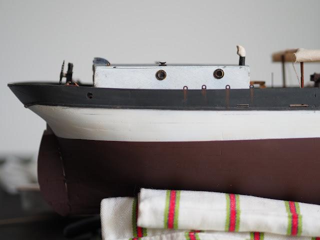 Vista laterale e Struttura e timone della QShip Amati inglese WWI prima guerra mondiale