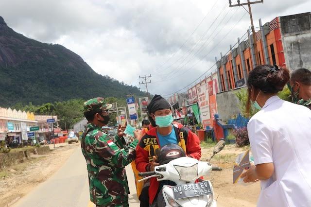 Babinsa Kebong Kampanyekan Gerakan 3M di Wilayah Wisata Bukit Kelam