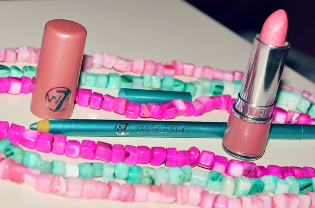 W7 make-up Lipstick in Lollipop & Sparkle stix in Green