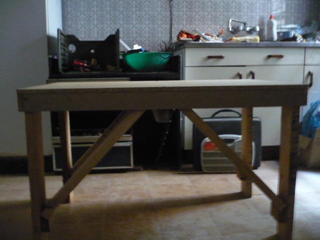 Esta casa es una ruina otra mesa auxiliar para el taller - Mesa trabajo taller ...