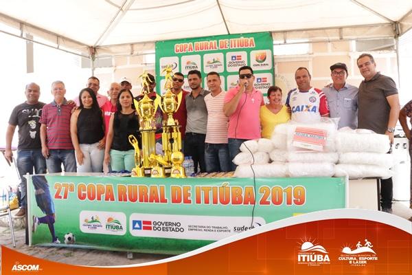 Secretaria Municipal de Cultura, Esporte e Lazer entregou material esportivo para equipes que disputarão Copa Rural 2019