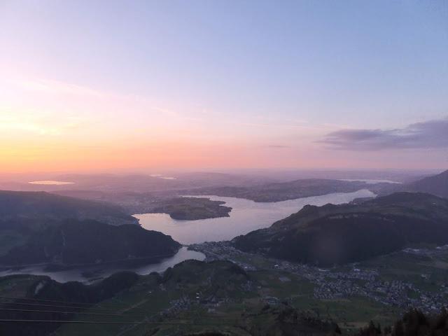 mit Strich und Faden: Blick vom Stanserhorn auf den Vierwaldstättersee