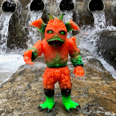 The Mutator Ultrus Bog Vinyl Figure by Skinner x Lulubell Toy Bodega