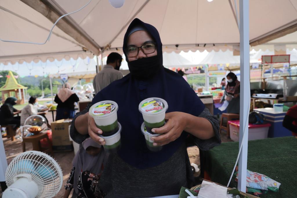 Batam Wonderfood Ramadhan Ramai Dikunjungi, Ardiwinata Ingatkan Pengunjung Terapkan Prokes  Batam Wonderfood Ramadhan Ramai Dikunjungi, Ardiwinata Ingatkan Pengunjung Terapkan Prokes