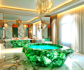 crystal-bathtub-rose-quartz-bathtub