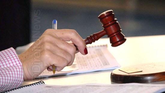 candidata suspeicao juiza despacha advogado particular