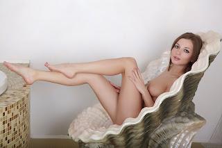 Horny and twerking - Alyssa%2BA-S02-022.jpg