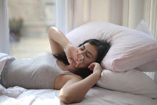 Stres Dampak COVID-19 Membuat Anda Susah Tidur? Ikuti 6 Tips ini untuk Kualitas Tidur Lebih Baik