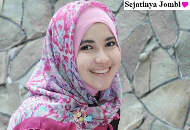 Sebagaimana Tulang Rusuk Dalam Islam Memaknai Dialah Wanita Yang Terjaga dan Terlindungi Serta Dihormati