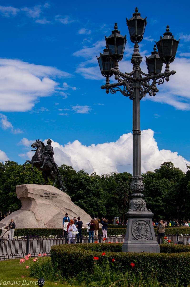Питерский фонарь и Медный Всадник фото