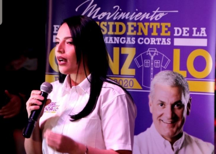 """Sector externo Ultramar Gonzalo 2020 fortalece campaña en EEUU con lanzamiento de """"El Presidente de la Camisa de las Mangas Cortas"""