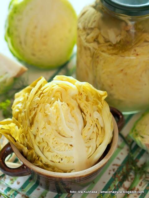 kiszenie kapusty, jak ukisic kapuste, warzywa kiszone, miod, kiszonki, kiszenie warzyw, domowe przetwory, spizarnia, jedz kiszonki, samo zdrowie, kapusta glowa pusta