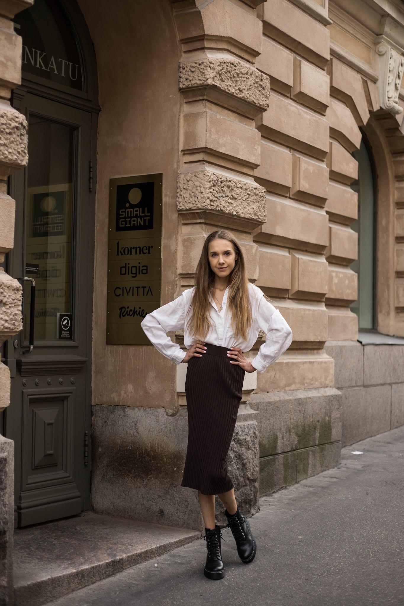 Vanhanaikaiset pukeutumissäännöt // Old-fashioned style rules