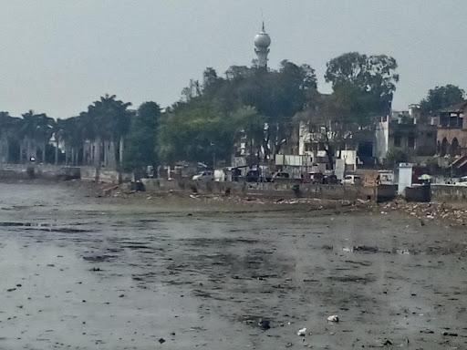 Lakha-Banjara-Lake-हाई-कोर्ट-ने-कलेक्टर-से-झील-का-अतिक्रमण-हटाकर-रपट-पेश-करने-को-कहा