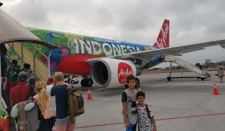 Uno de nuestros aviones durante nuestro viaje por Indonesia.