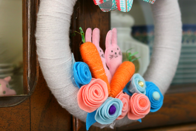 yarn, felt, flowers, Easter, bunny, carrots, ribbon, holiday, wreath
