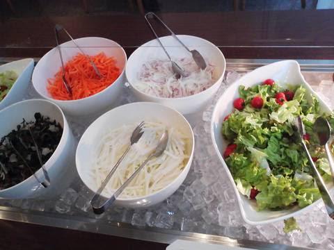 ビュッフェコーナー(サラダ) サザンクロス