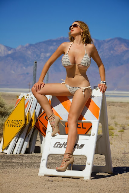 Jordan-Carver-Busty-Photoshoot-Road-Sign-Pic-21