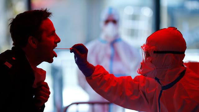 Científicos alemanes hallan anticuerpos que evitan que el coronavirus se propague por el organismo