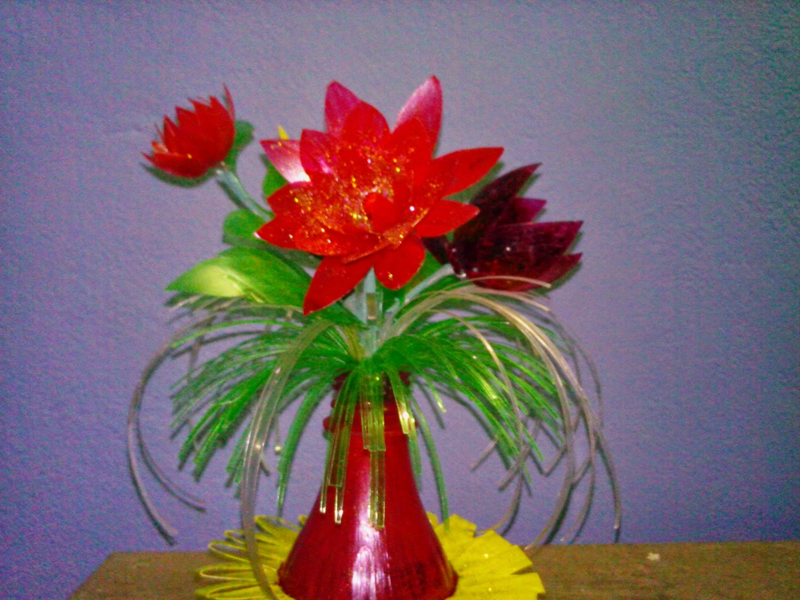 Drinking straw crafts make flowers in a very easy way recycle recycling bottles how to make it a nice flower vase in a very easy way reviewsmspy