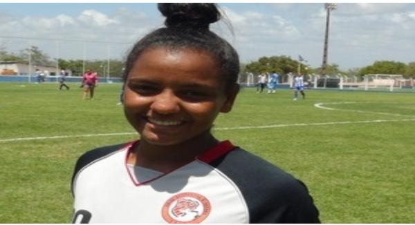 Alagoana Pretinha é convocada para a seleção de futebol feminino