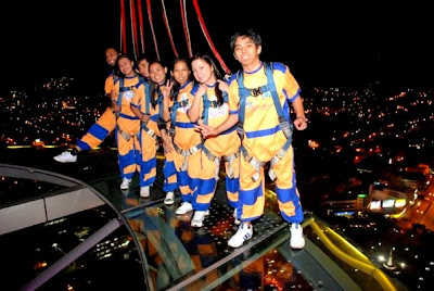 Pinay Travel Tries Sky Walk Extreme
