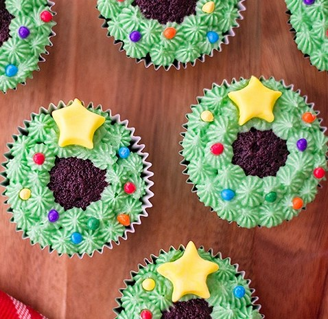 Christmas Wreath Cupcakes #desserts #cake