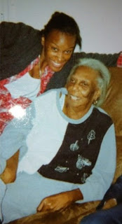 Picture of Teyona Anderson with her mother