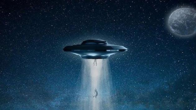 LDR Beda Negara Lewat! Wanita Inggris Ini Klaim Miliki Pacar Alien dari Galaksi Andromeda, Hah ?