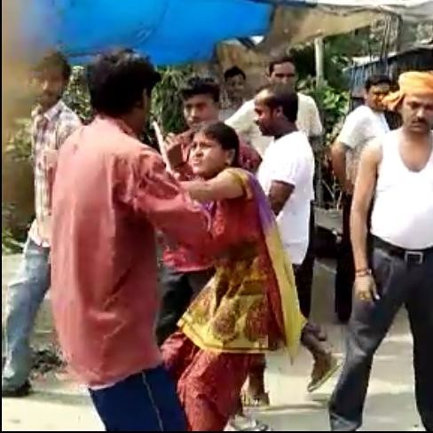 Wife Beaten His Husband In Road On Love Affair