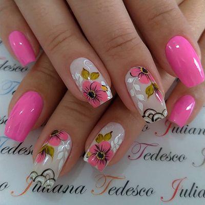 unhas decoradas rosa com flores