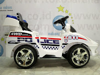 DoesToys DT55 811 Police Rechargeable-battery Operated Toy Car L White