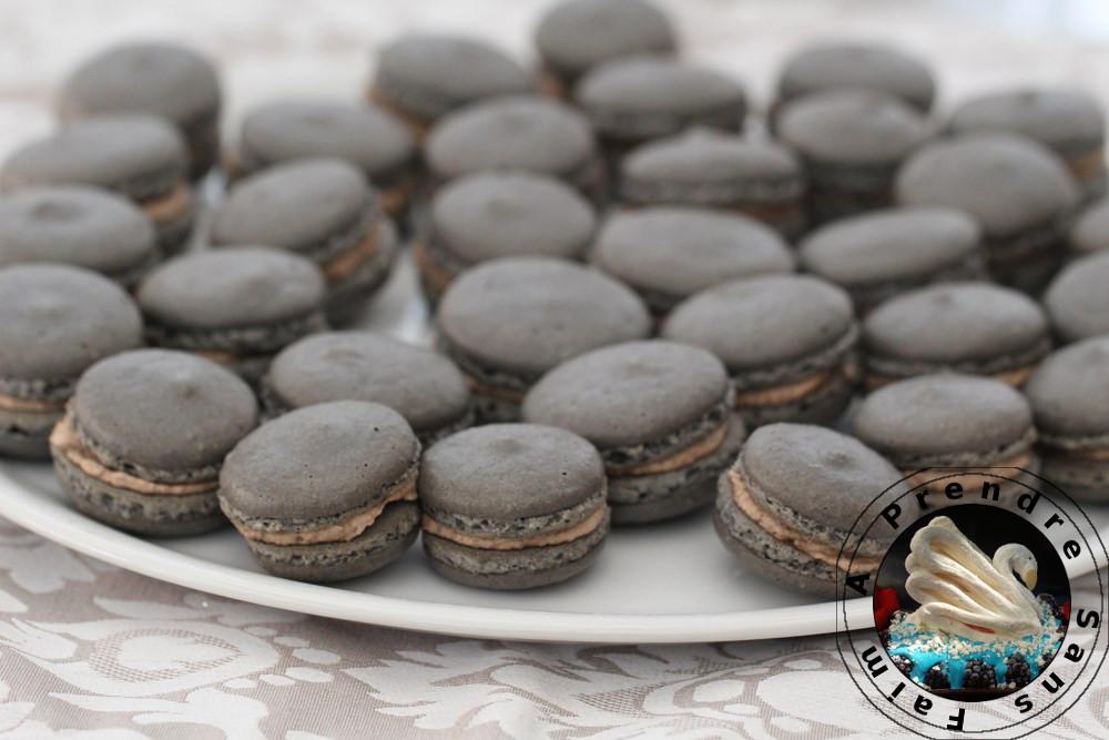 Macarons à la tapenade d'olives noires