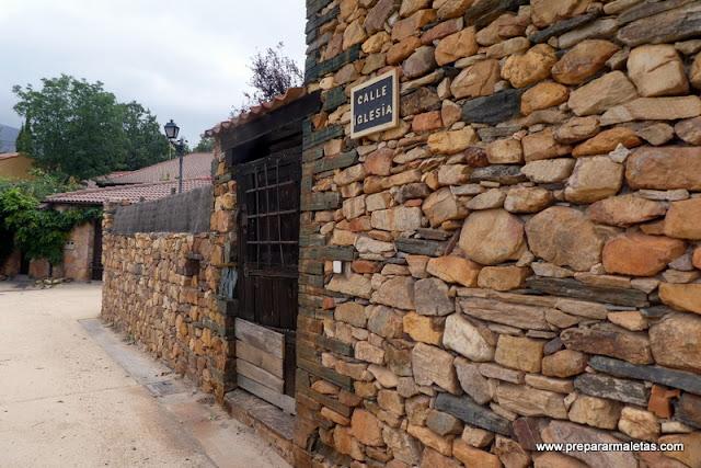piedra roja y pizarra en pueblos de Segovia