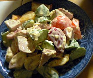 乱切り魚肉ソーセージサラダ