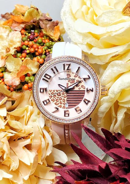 斬新なデザイン性で注目を集めるスイスの腕時計ブランド「Tendence(テンデンス)」   ウォッチ 腕時計 テンデンス TENDENCE  ラグジュアリー プレゼント 人気 ブランド ファッション誌 キングドーム ファッション おしゃれ 可愛い クレイジー カラフル De'Color ディカラー Gulliver Round ガリバーラウンド ALUTECH Gulliver アルテックガリバー FLASH フラッシュ 新作 VERY コラボモデル CRAZY Medium TY930067