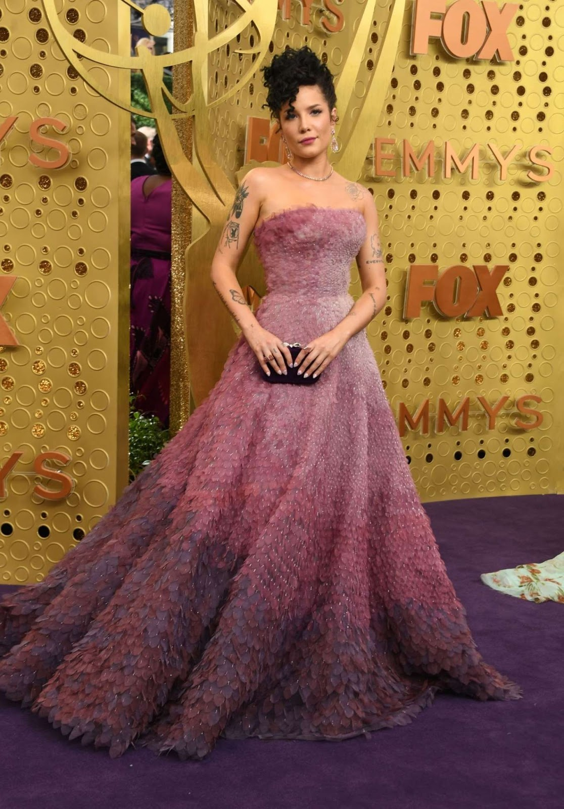 Halsey Graces the Red Carpet in Ombre Princess Dress