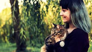 britsh english listening cats pets