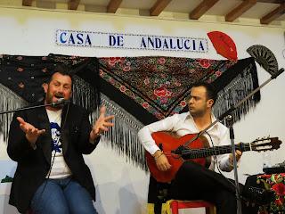 Félix Crujera canta