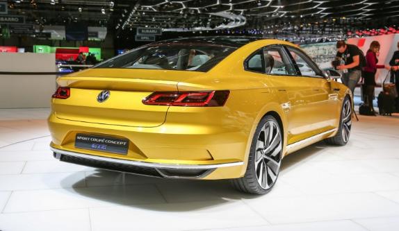 2018 Volkswagen CC Back View