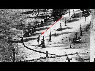 5-Paraksenes-fwtografies-pou-prokaloyn-mystirio